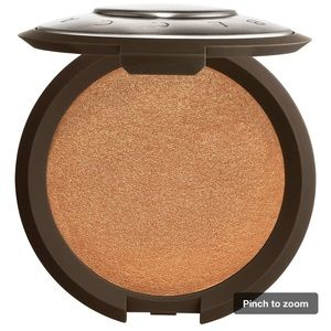 NEW Becca shimmering highlight chocolate geode